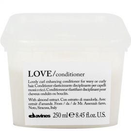 Davines LOVE kondicionierius garbanotiems plaukams